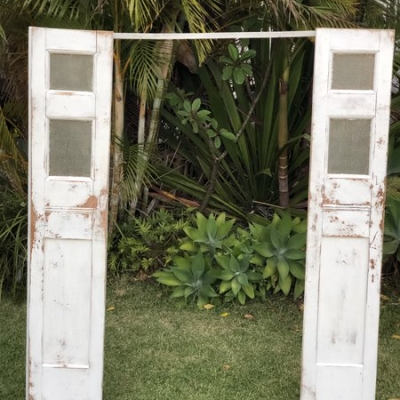 white vintage door arbour
